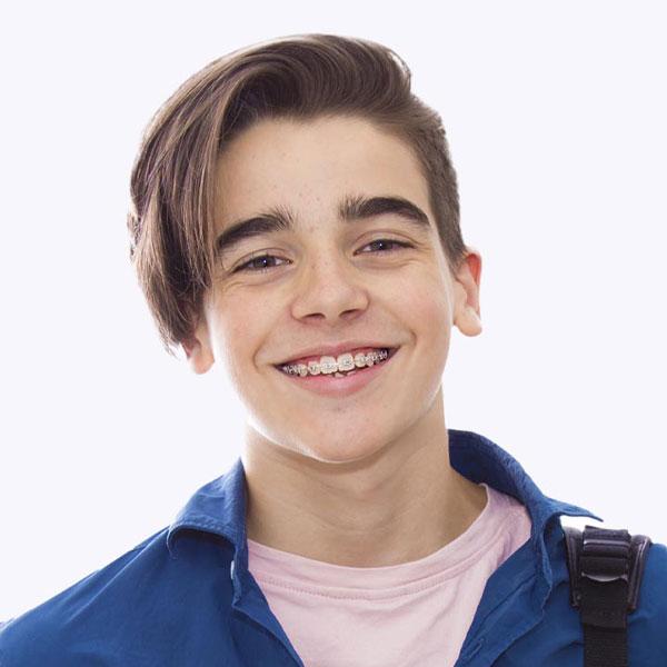 Kieferorthopädie & Zahnspangen für Jugendliche