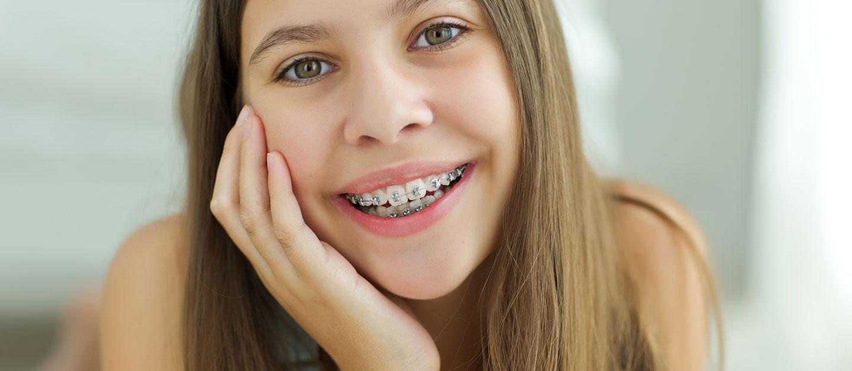 Kieferorthopädie für Teenager & Jugendliche